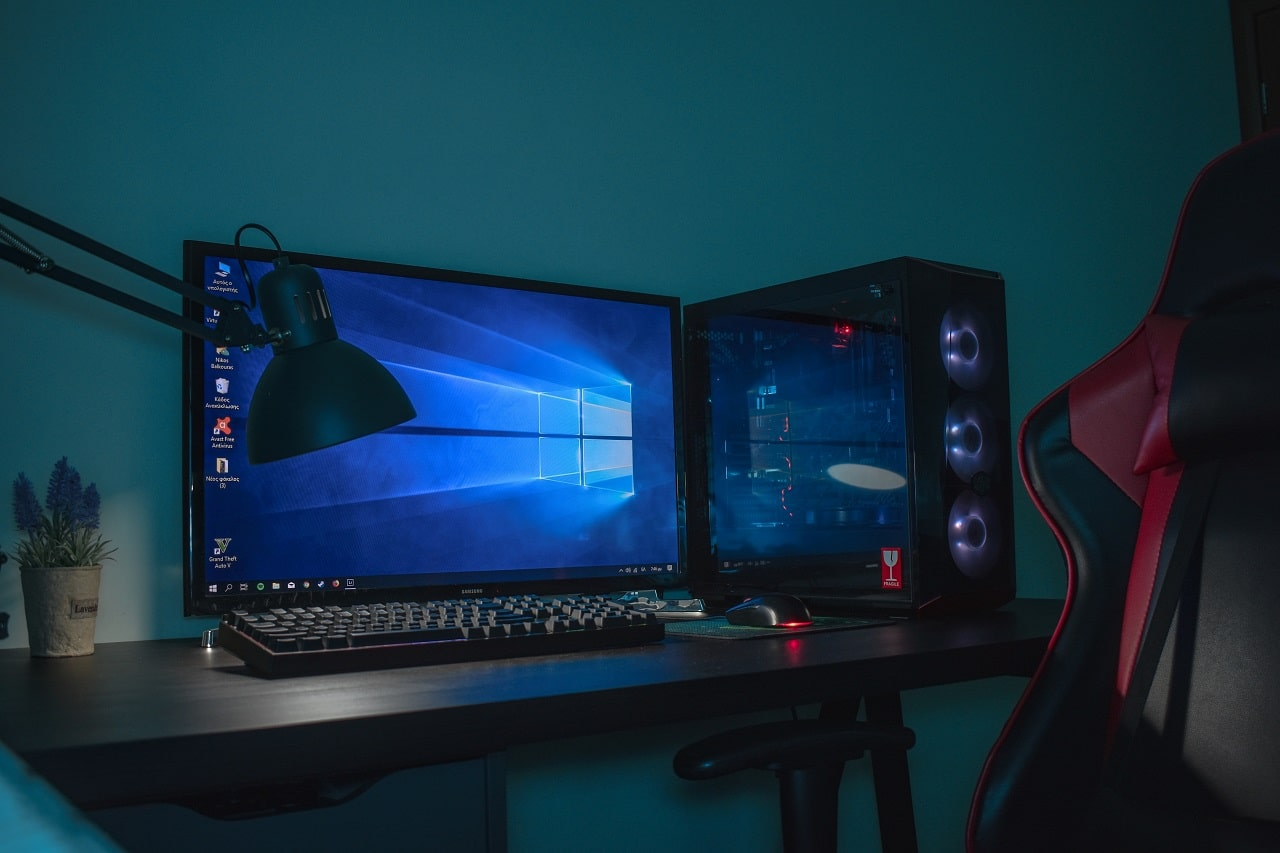 mid tower gaming pc image