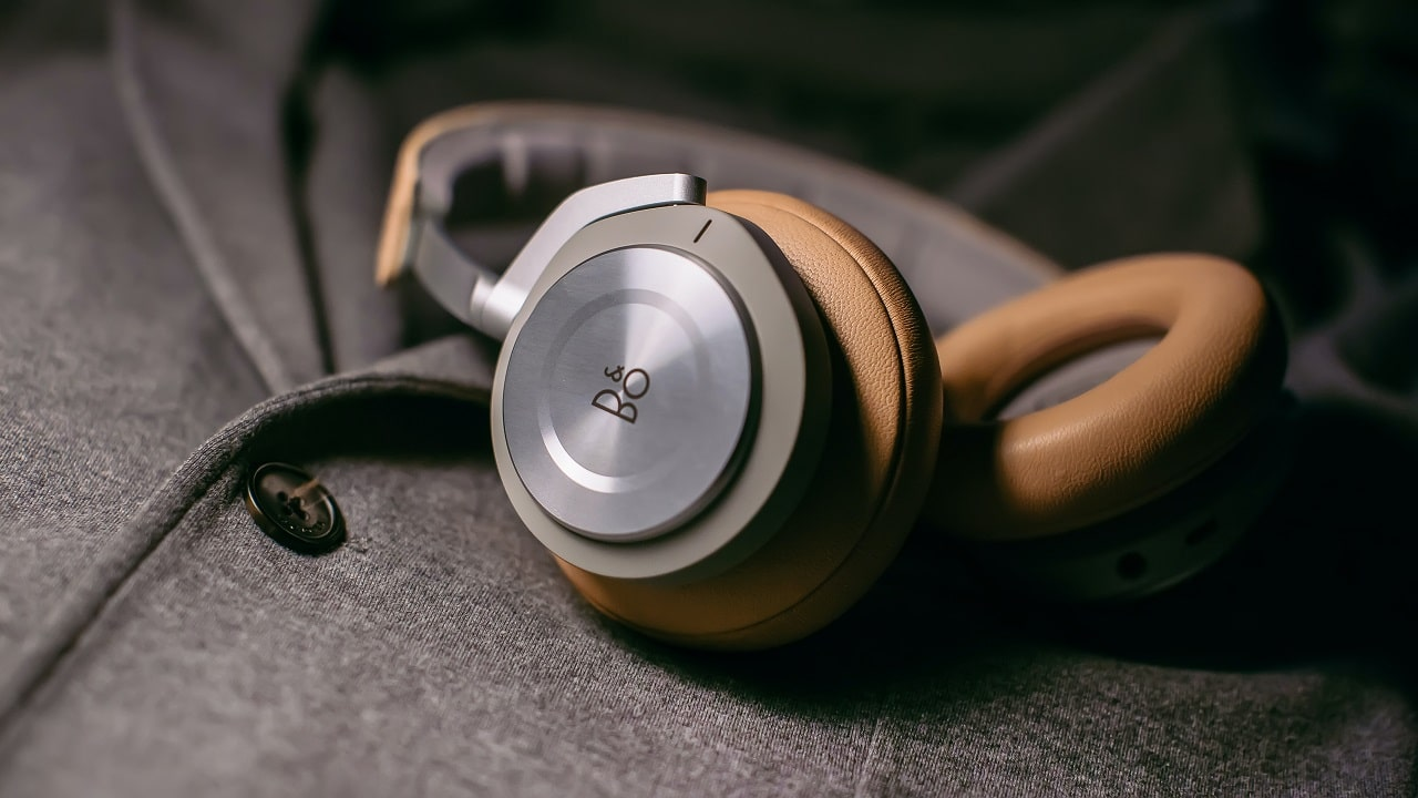 noise cancelling wireless headset image